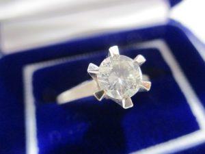ダイヤモンドの買取は大吉伊勢ララパーク店にお任せ♪