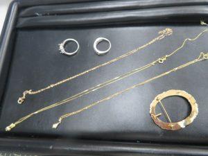 本日は貴金属ネックレス・リングをお買取りさせて頂きました。