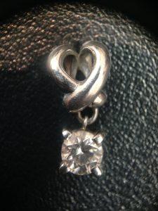 市川市でダイヤのネックレストップを売るなら『買取専門店 大吉 MONA新浦安店』へ!