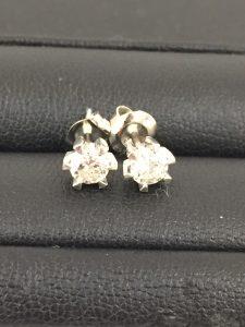 ダイヤモンド付きイヤリングを買取させて頂いた大吉イオンタウン諏訪の森店です!
