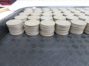 本日は鳳凰の100円銀貨をたくさんお買取りさせて頂きました。