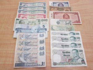 外国のお金を買取りました、大吉浦和店です