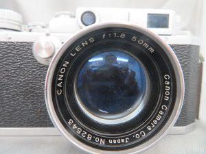 本日はCanon2D型のフイルムカメラをお買取りさせて頂きました。